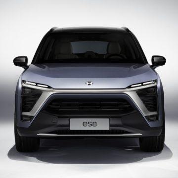 NIO ES8 - Front